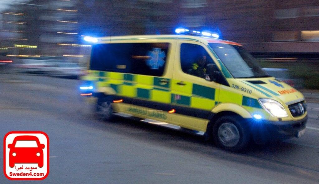 STOCKHOLM 20111104  Ambulans under utryckning Foto Bertil Ericson / SCANPIX / kod 10000
